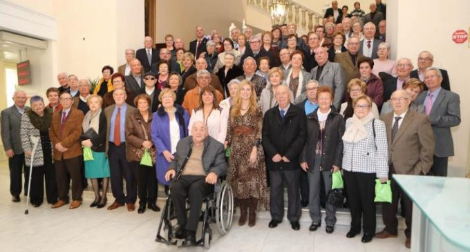 Castelló ret homenatge a les parelles que compleixen els seus cincuanta anys de vida junts