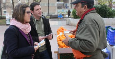 Compromís explica als agricultors de Castelló què han aconseguit en el Congrés per a protegir la taronja