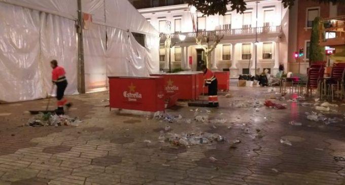 Castelló recull una mitjana de huit tones de residus a l'hora en Magdalena