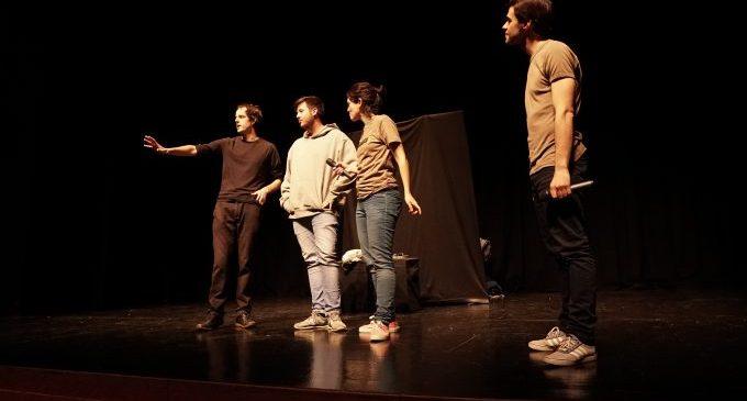 Vila-real porta la prevenció de la violència de gènere als instituts amb el teatre-fòrum 'Com quedem?'