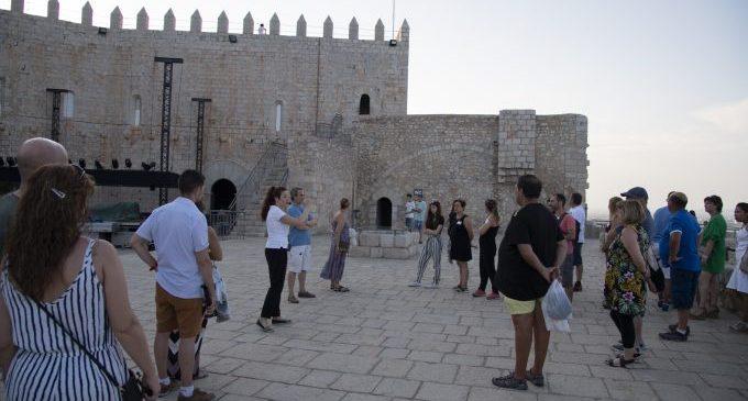 La Diputación refuerza la mejora de las visitas al Castillo de Peñíscola con su programa de prácticas para recién titulados