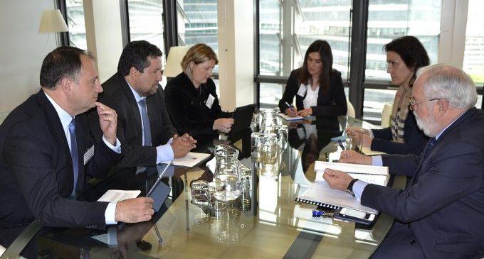 Moliner defensa a Brussel·les mesures per a baixar els costos energètics i mantenir els llocs de treball ceràmic