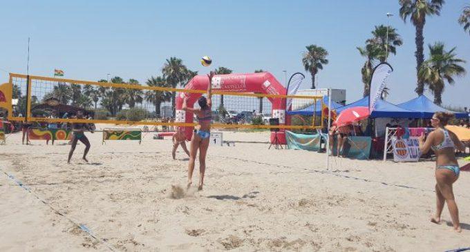 Castelló reobri les platges i permet els passejos i la pràctica d'esport amb restriccions