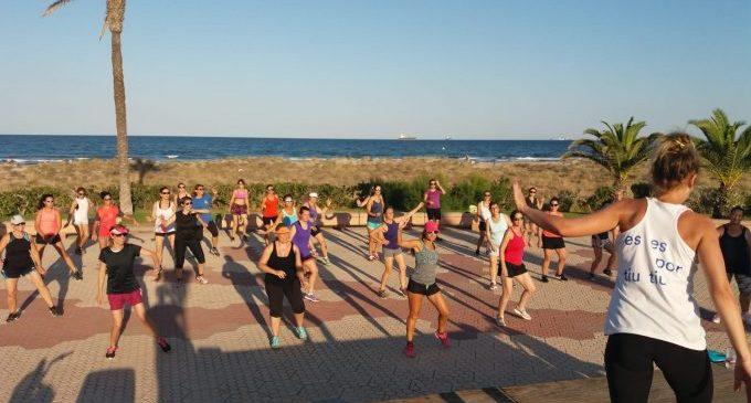 La Nit de Sant Joan il·lumina les platges de Castelló amb quasi una trentena d'activitats
