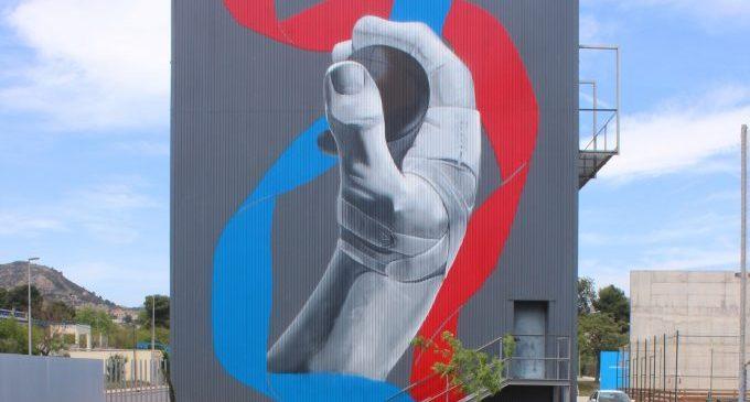 El trinquet del Sindical ja llueix mural
