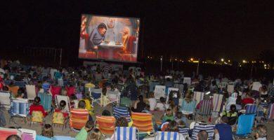 Torna el Cinema d'Estiu a la Platja del Gurugú
