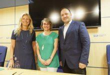 Castelló renova el conveni amb l'UJI i la Generalitat per a impulsar els pisos solidaris per a estudiants en Sant Llorenç