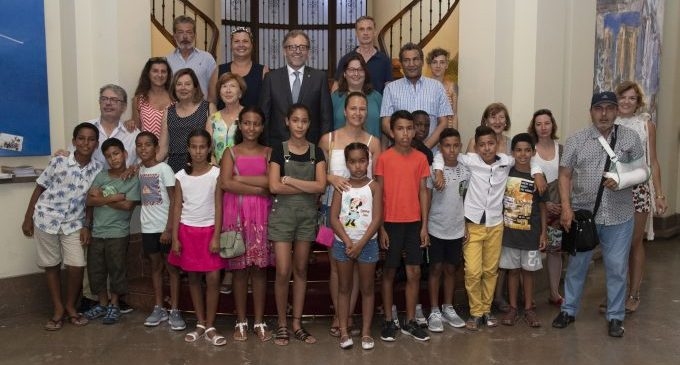 33 xiquets i xiquetes sahrauís passen l'estiu en famílies de Castelló