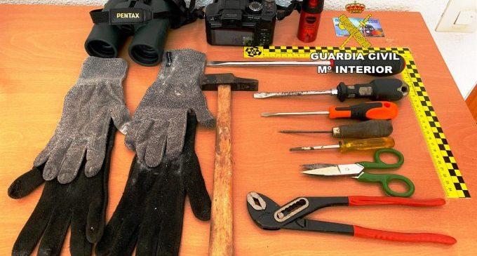 Tres persones detingudes, dues d'elles en crida i cerca per robatoris en vehicles a Castelló