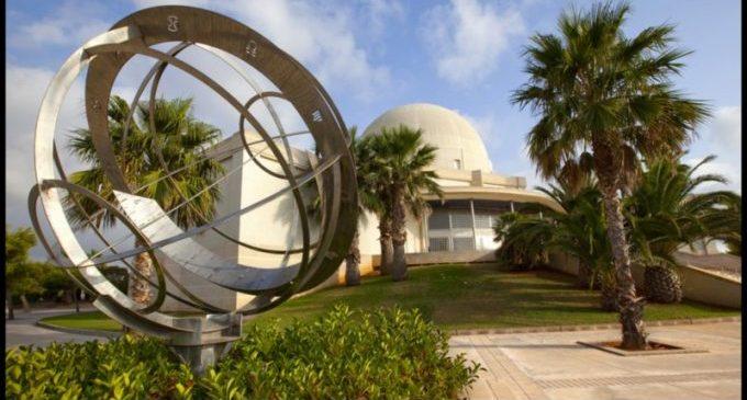 El Planetari suspén més de 160 activitats per al mes d'abril i les ajorna fins a nova ordre
