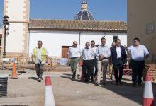 Diputación visita las obras de urbanización de viales en el entorno amurallado de Mascarell de Nules