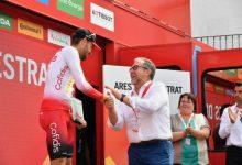 Diputación asiste a la entrega del premio al ciclista Jesús Herrada, ganador de la 6a etapa de la Vuelta en Ares del Maestre