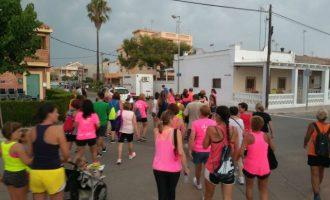 La Platja Casablanca d'Almenara acull auqesta vesprada la 'Marxa de la Dona'