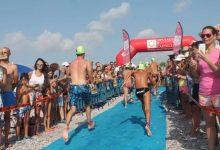 La IX Travessia de natació 'Platja Casablanca d'Almenara' va acollir a més de 300 participants