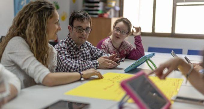 Fundació Caja Castellón i Bankia en Acción recolzen el projecte d'Envelliment de l'Associació Síndrome de Down Castelló