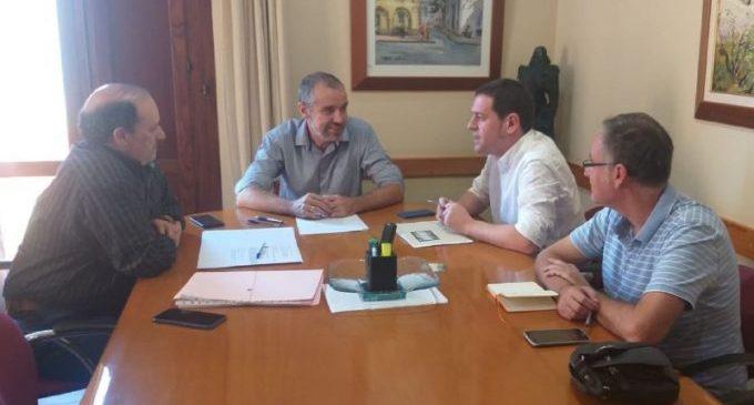 Ignasi Garcia es reuneix amb Wences Alós per tractar problemes de residus