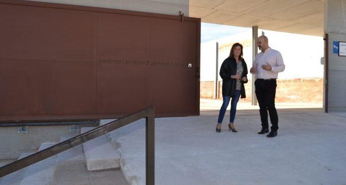 La Vall d'Uixó condiciona el cementeri per al Dia de Tots els Sants
