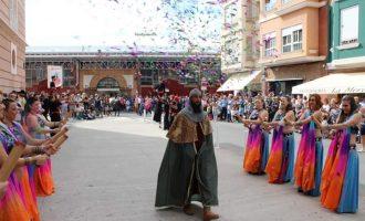 La tradicional desfilada i un espectacle infantil centren els actes del 9 d'Octubre