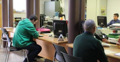 Nules constituirà dues borses de treball per a auxiliars administratius
