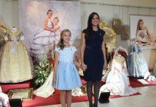 Les Reines Falleres de Borriana 2020 rebran l'homenatge del món faller