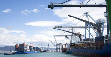 La tripulació d'un petrolier roman confinada al Port de Castelló després de confirmar-se huit positius