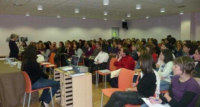 """El servicio ADI de Burriana organiza la conferencia """"El día a día en el aula"""""""