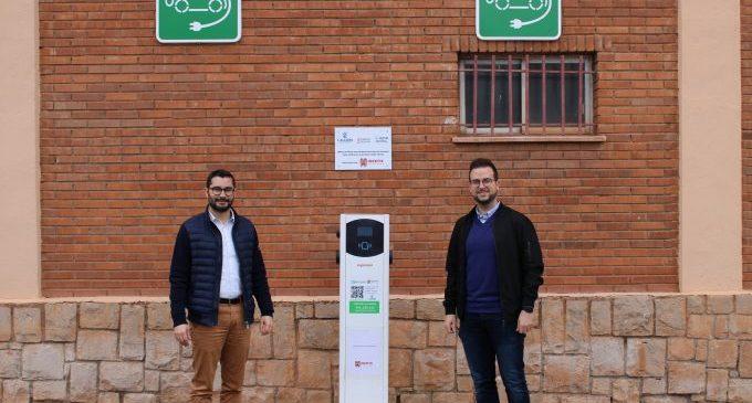 L'Alcora instal·la un punt de recàrrega per a vehicles elèctrics