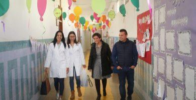 """Onda defensa les infermeres escolars """"no sols per la COVID"""": """"Afavoreixen la conciliació i eduquen"""""""
