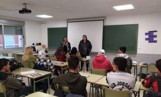 Nules fomenta el valencià i el castellà entre la població migrant
