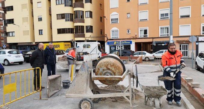 La Vall d'Uixó habilita la plaça del Mercat amb quatre punts de llum i aigua