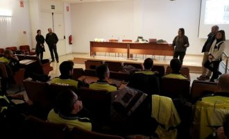 Más de 20 agentes de Policía Local se forman para evitar delitos de LGTBIfobia en la Vall d'Uixó