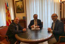 El president de la Diputació rep a l'alcalde d'Olocau del Rey i analitza les millores en infraestructures i serveis socials