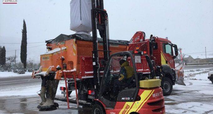 30 carreteres tallades i centenars d'efectius de la UME i dels bombers en el tercer dia de temporal