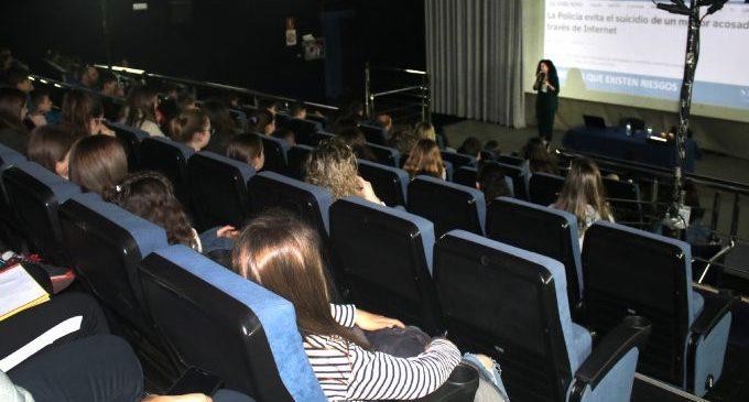 El alumnado de Onda se conciencia sobre los peligros tras las nuevas tecnologías