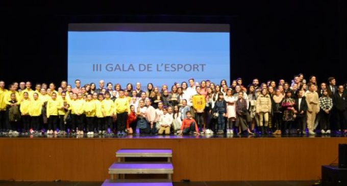 L'Ajuntament de la Vall d'Uixó reconeix als esportistes i clubs de la ciutat en la Gala de l'Esport