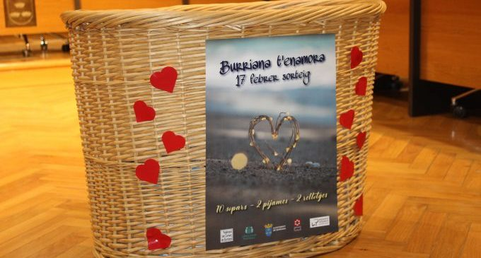 """Comerços borrianencs reparteixen tres premis per la campanya """"Borriana t'enamora"""""""