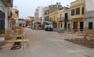 Les obres de remodelació dels carrers de l'Assutzena i Isaac Peral de Nules marxen al ritme previst