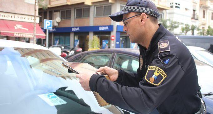 La Policia Local d'Onda controla el mal ús de la targeta d'estacionament per a persones amb discapacitat