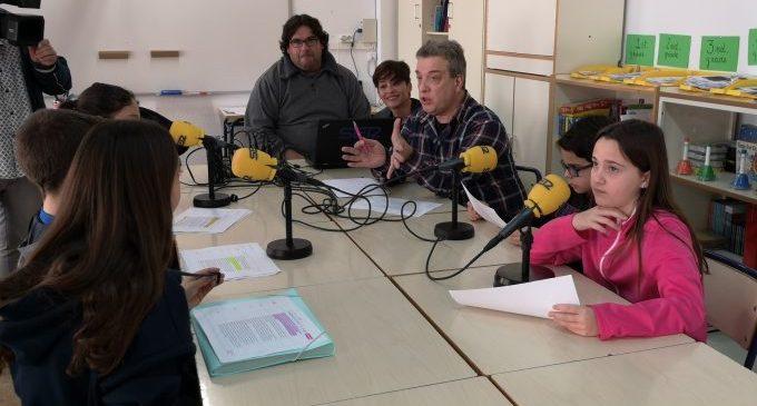 L'Ajuntament de la Vall d'Uixó inicia el projecte 'L'escola fa ràdio' en deu centres educatius de la ciutat