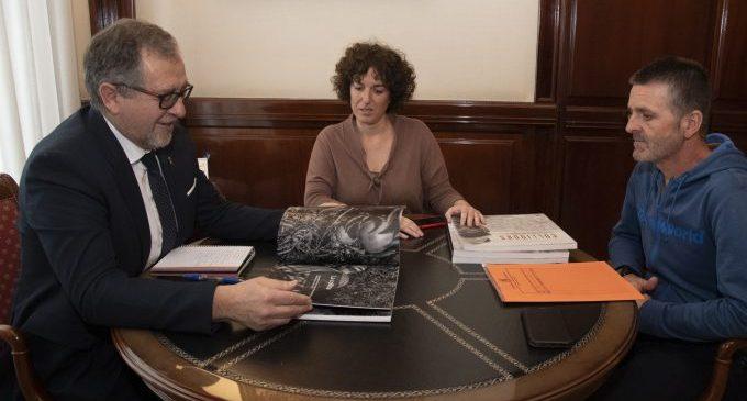 L'alcaldessa d'Almenara sol·licita la col·laboració de la Diputació per a millorar la seguretat viària en la carretera de la Platja