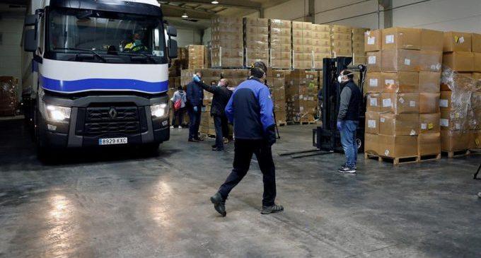 Comença el repartiment del material sanitari de protecció dels avions xinesos