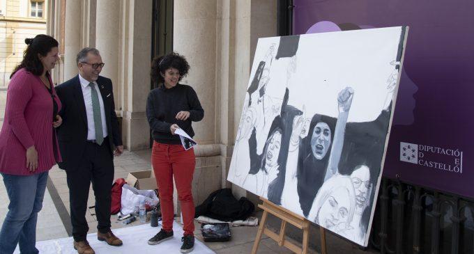 La borrianense Angie Vera pinta en directe per a conscienciar sobre la desigualtat de gènere