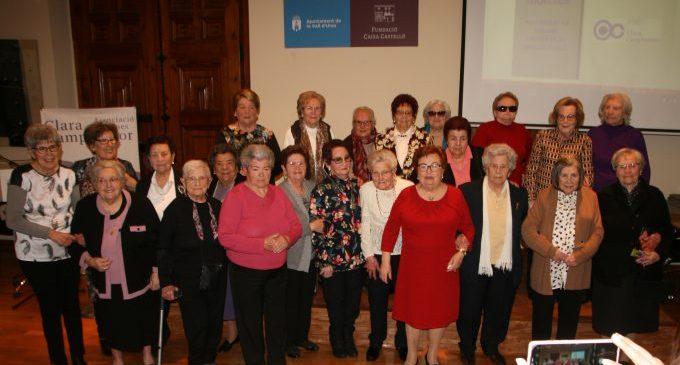 L'exposició 'Dons Grans, Grans Dons' repassa la vida de 26 dones majors de 80 anys