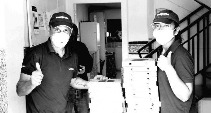Telepizza reparteix menús a 51 persones en situació de pobresa a Onda durant el dia del pare