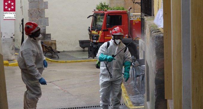 El Consorci Provincial de Bombers de la Diputació desinfecta Suera i Tales