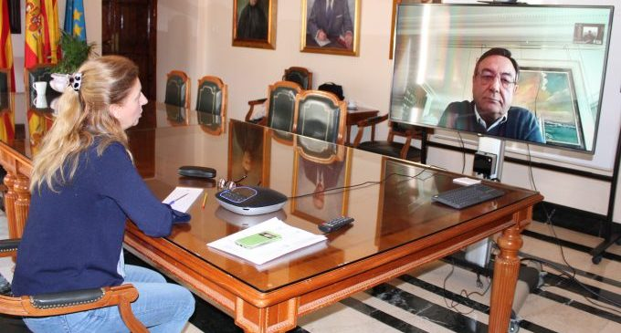 Marco comparteix amb els representants del sector econòmic el pla municipal de resposta orientat a la generació d'ocupació