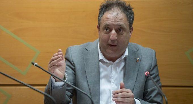 Santiago Agustí signa l'ordre de pagament de 5 milions d'euros d'avançament extraordinari de tresoreria als ajuntaments per l'emergència del covid-19
