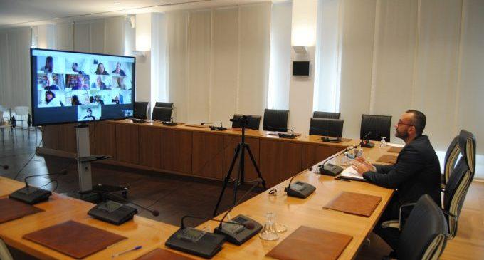 L'aliança tecnològica amb Telefónica permet a l'Ajuntament de Vila-real disposar de manera gratuïta d'una plataforma per a videoconferències amb fins a 500 usuaris i sense límit de duració