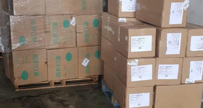 Les persones vulnerables de xicotets municipis rebran kits d'aliments i productes bàsics d'higiene