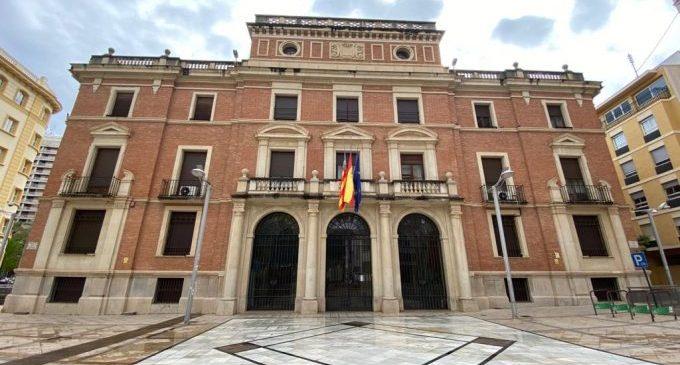 La Diputació de Castelló oneja les banderes a mitja asta i guarda 3 minuts de silenci en record de les víctimes de la COVID-19